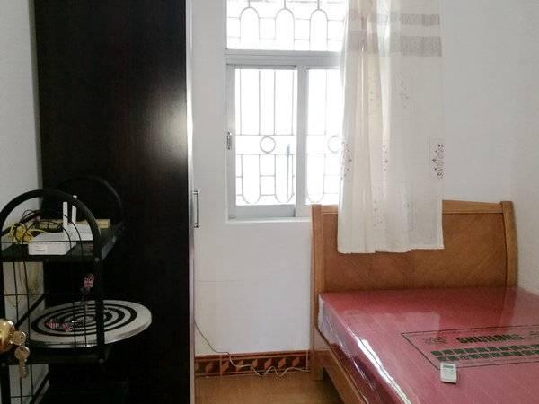 东湖二区 3房2厅家私家电齐 带私家170平超大露台 月租2200