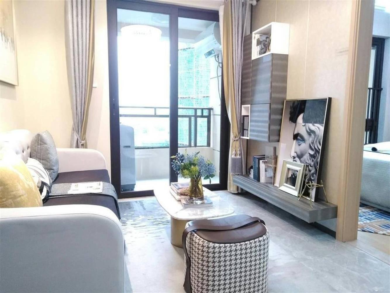临近新天虹 恒和金谷 温馨精装两房 带27小 居家过渡皆宜