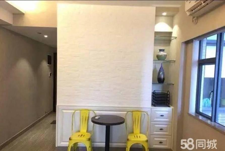 河南岸港惠新天地商圈旁光辉国际精装电梯一房出售