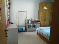 出租新银小区2室1厅1卫 主卧20平米500元/月住宅
