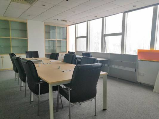 双子星大厦350平办公室出租 单价50 带家具