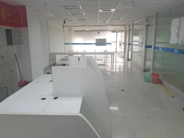 江北CBD 224平办公室 格局方正采光好 随时看房