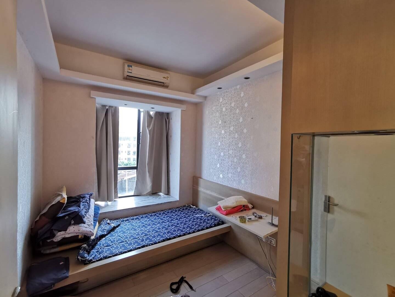 新天虹旁 威廉城邦精装三房,户型方正,欢迎有诚意客户预约看房