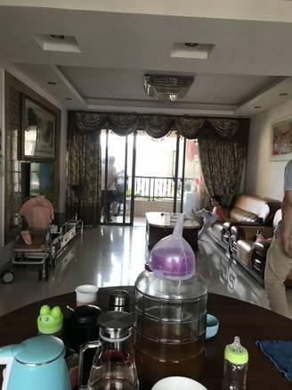 珠光御景湾 高层装修4房 业主急售 保养很好