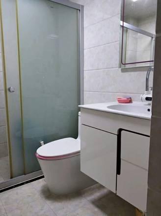 世纪新天高层小俩房出售 干净整洁朝西