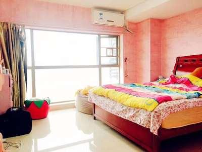 港惠对面朝东五中学位大四房 朋友的房子诚心出售 单价9000 最便宜电梯房
