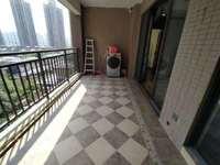 东江新城 德威朗琴湾 花园中心三房,全新精装未曾入住、证满二年,学校下楼即到。