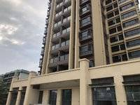 富盈公馆三期,35万住户超大社区,超低月租,全新沿街商铺出租。