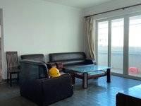 花园小区,三房户型,看房有钥匙,中间楼层,住家安静舒适
