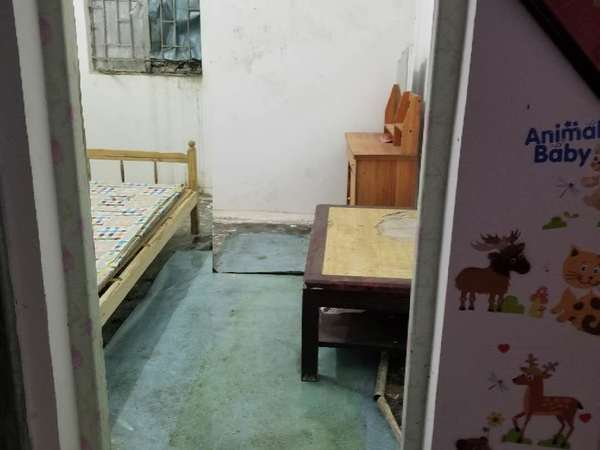 出租华润御苑附近 村中 一楼一房一厅330元