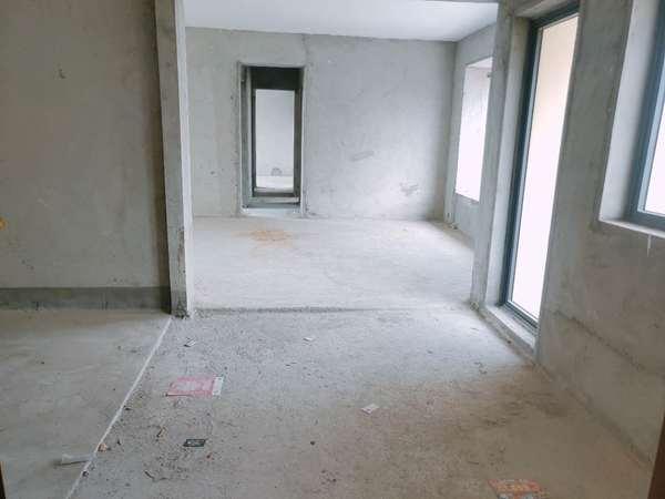 华章东郡 毛坯四加一房 南北对流 大社区 钥匙在手 看房方便