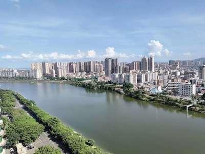 隆生东湖9区5房,南向180度一线江景,高楼层,楼下是商业综合体,看房方便