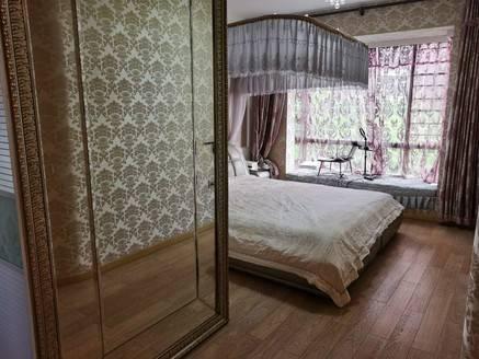 满五唯一 金山湖花园二区 121平精装修3房2卫出售183万