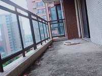 大新城南贸花园 花园中间楼王 南北通透毛坯4房 125平方130万