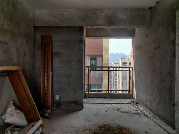 南山翡翠 稀缺复式5房 露台 阁楼 阳光房 南北通透双阳台 赠送60个平米