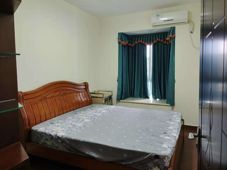 鸿润花园精装修三房两厅出租3000元/月,家私家电齐全,保养好卫生干净,真实图片