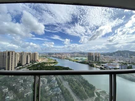 惠州富人区 中洲湾上花园150平米毛坯房 一眼两湖景 全新3公里没有遮挡物