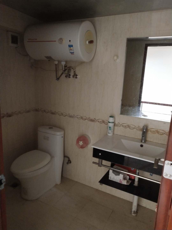 泰豪广场精装复式2房2卫 生活交通便利 多套出租 看房方便