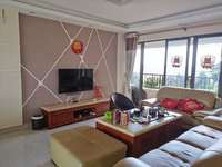 珠光御景湾 精装修大四房 仅租2500元 家私电器全齐 房子好新 首次出租 实图