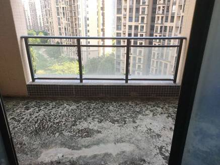 方直东岸二期7楼141平方毛坯四房带车位售价265万