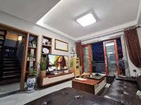 急卖 豪华装修真复试 使用率超级高 装修花了80万 只卖毛坯价 看房有钥匙