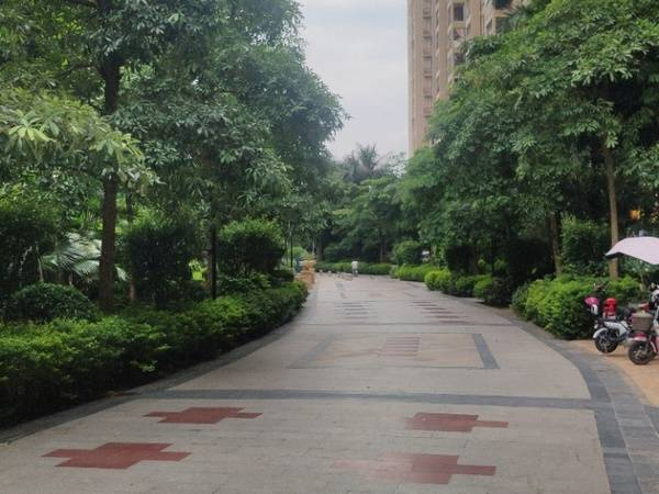 出售大社区富川瑞园2房,居住人口多,小区生活配套齐全