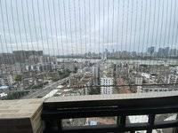 下角润宇广场电梯4房2厅 一线江景房 117.1平 仅售105万