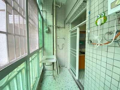 五中学位 富山山庄 4楼大三房 双阳台 南北通透 小区内有幼儿园