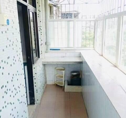江北佳兆业对面云山花园一期 朝东看公园 电梯房