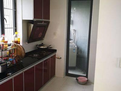 业主本人出租中海水岸城花园4室2厅2卫150平米3500元/月住宅