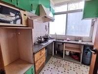 龙威花园4 1房出售,朝南可以直接入住,可以加装电梯,一梯两户通风采光好价格实惠
