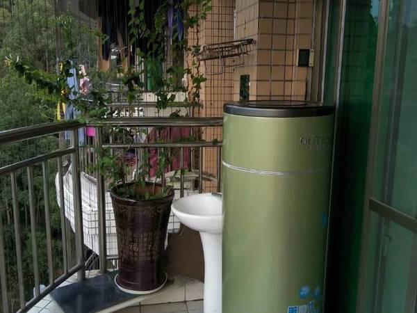 龙丰地铁出口电梯房出租!家私家电齐全,可拎包入住.