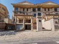 雅居乐白鹭湖稀有小户型的别墅,188平方房子,附带私家花园及车库,仅售270万