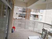 金城广场君华府出租5房2厅2卫,可做写字楼也可住宅,精装修,成熟商业圈。
