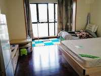 佳兆业出租1室0厅1卫,家具齐全,精装修,地段好,拎包入住。