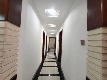 全新装修电梯房带实验标准4房