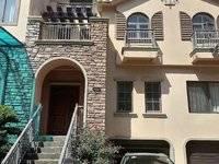 金山湖联排别墅,独立别墅小区,独显尊贵定位。中间位置,清幽清净。