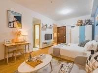 金山湖岛内 全新出租 四星级酒店标配 900-1500 平层复式