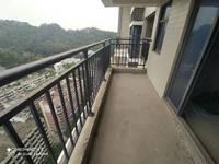 轻轨物业 松苑雅居 中高层二房,满二年首付15万。看房很方便。