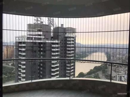 隆生广场东湖九区精装房,看江精装拎包入住,交通方便休闲娱乐。
