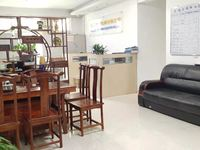 低于市场价出售,首付仅需22万,南山花园123平精装修3房119万
