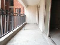 河南岸金山湖四房二厅 实用面积大 南北通看花园中间有钥匙 单价12000元急售