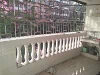 南方花园 南向大三房 带学位 电梯房