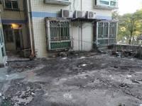 东江沙公园对面 江景新苑2楼带露台 标准2房