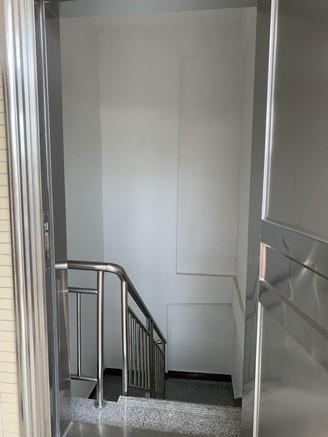 下角整栋出售 不用补地价 全新装修 实用面积215平 1-2层已租 即买即收租