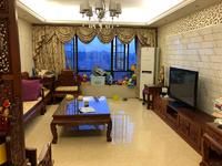 东湖花园八号小区 4室2厅2卫 5800元月 电梯房