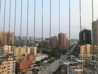 中铁锦域蓝湾.3房2厅2卫,阳台东南向,楼下就是学校,超市,配套成熟,生活方便