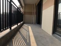 大5房 小区楼王 南北通透 看游泳池 整个中洲天御最便宜的一套 看房有钥匙