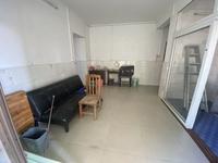 出租下角悦湖居电梯2房2厅 家私电器基本齐全 租金1300