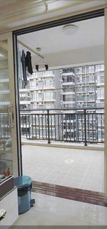 业主不在本地发展出售此房 德明华府3室2厅2卫123平米155万住宅
